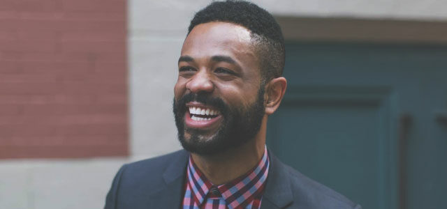 8 Signs of a Pastor People Will Follow